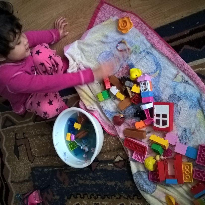 """""""Legonya berenang, Bunda!"""""""
