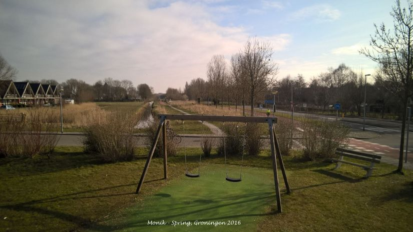 Speeltuin in de lente (playground di musim semi)