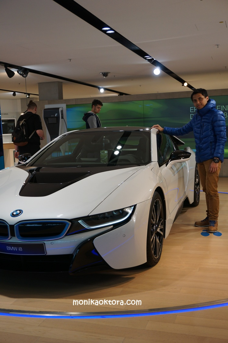 BMW Museum (mau dong mobil kayak gini satuuu)