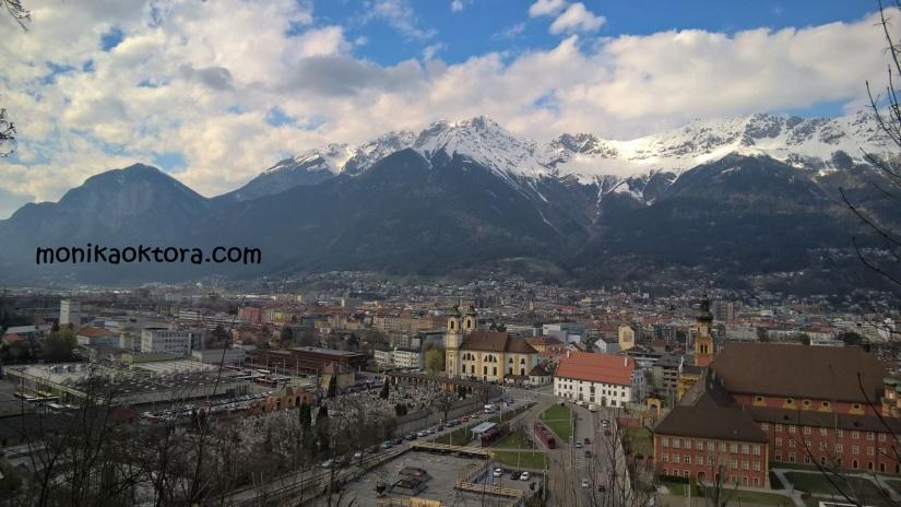 Pemandangan dari atas Tirol Panorama