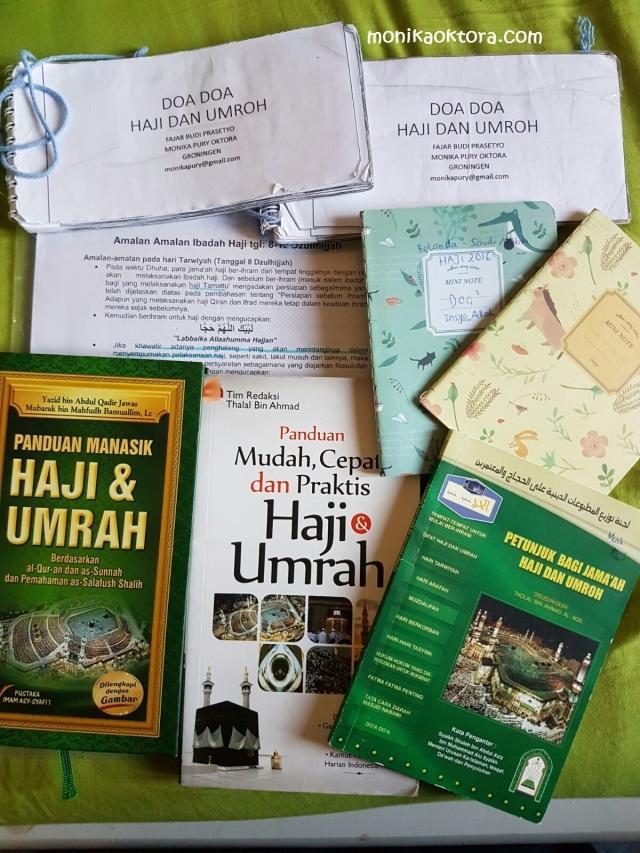 Buku-buku dan catatan materi haji