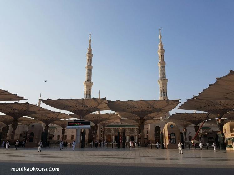 Masjid Nabawi yang penuh kedamaian