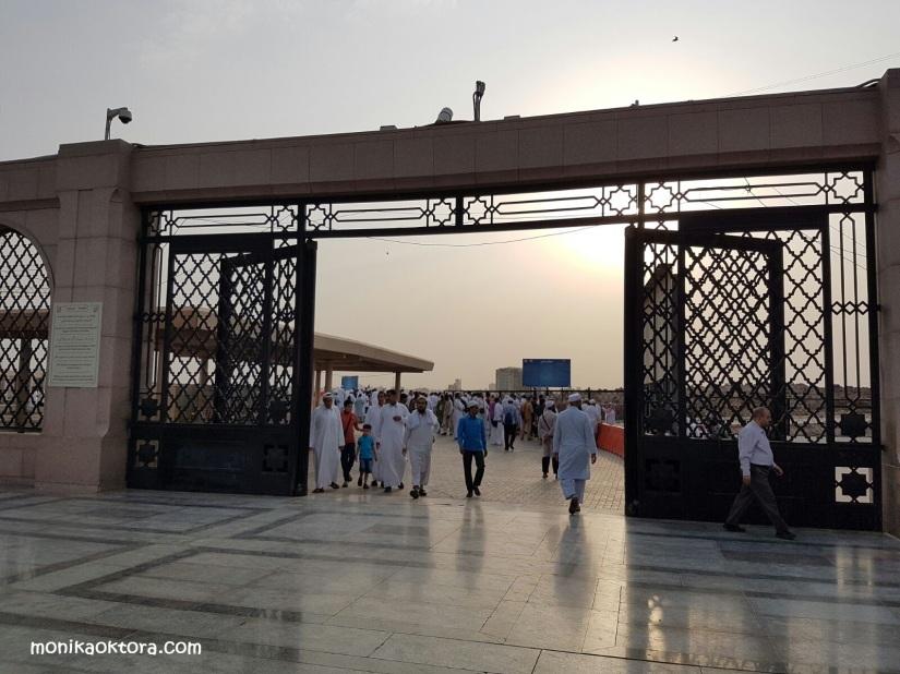 Gerbang dari Mesjid Nabawi ke Makam Baqi